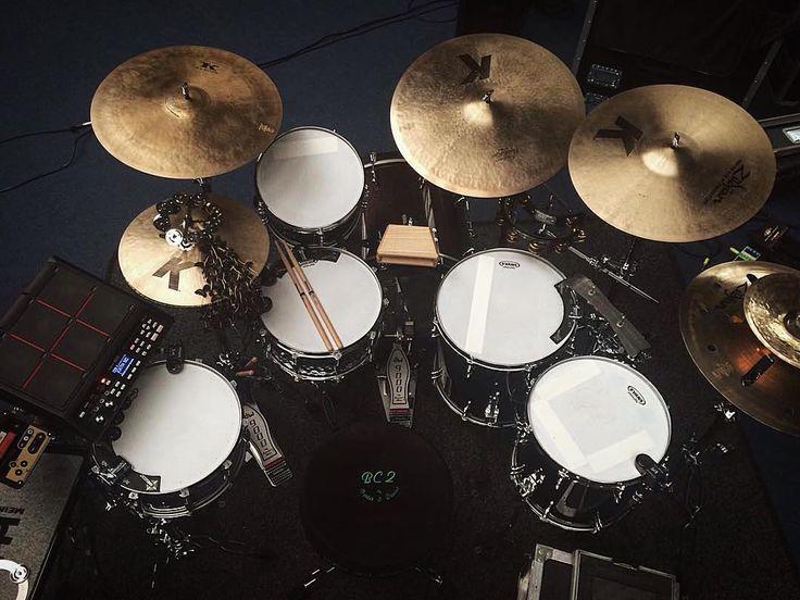 Black and white kit  Featured  @joecoxdrums  #drum#drums#drummer#drummerboy#drumset#drumkit#drumporn#drumline#drummergirl#recordingstudio#musico#musician#instadrum#drumming#percussion#percussionist#beat#drumsoutlet#tama#DWdrums#ludwig#sjcdrums#gretsch#Yamaha#pearl#drumlife#drumdrumdrum#sessiondrummer#drumsticks by drumset_up