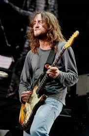 天才ギタリスト、元レッド・ホット・チリペッパーズのジョン・フルシアンテ。