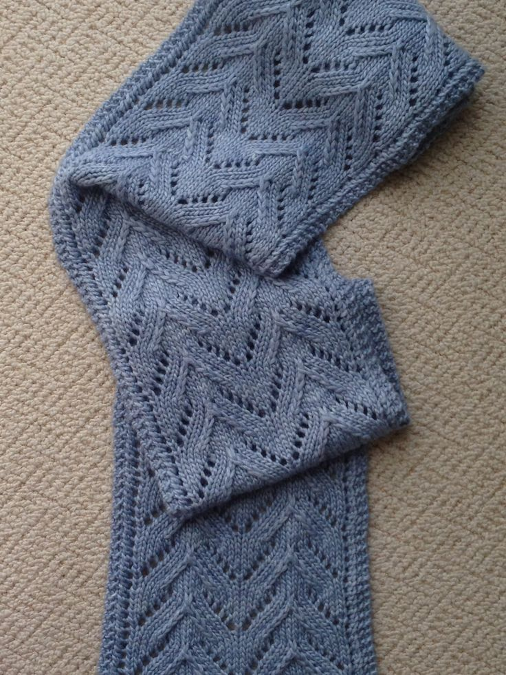 My version of Laura Cunitz's Manchester Scarf