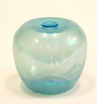 A.D. Copier vase