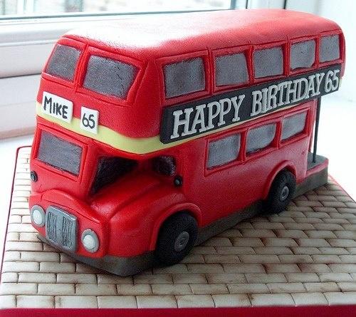 English Bus - Cake Bus inglese.Realizzata da Made In Cake (via Flickr)