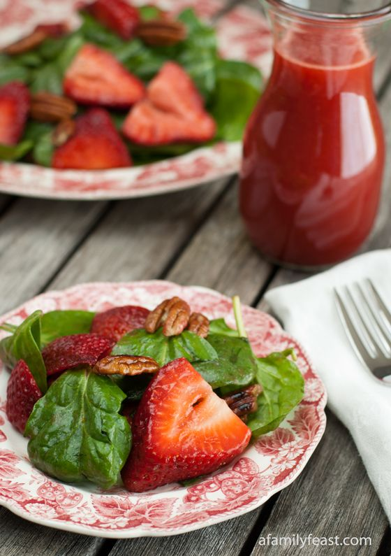 Spinach Strawberry Salad with Strawberry Vinaigrette - An amazing salad with spinach, fresh strawberries and toasted pecans - plus a delicious strawberry vinaig