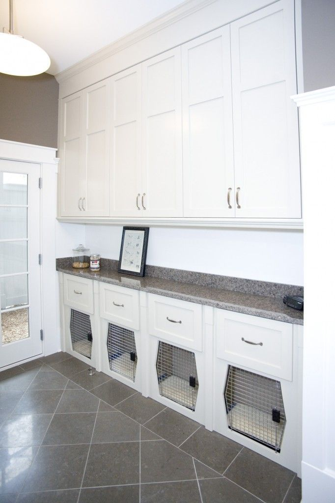#mudroom #bootroom #dogcrate #doghouse #dogs #pets