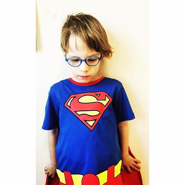 👶🏼 Little  Superman Demir . . . . . #art #artwork #artist #artofdrawing #artistic #artistsofinstagram #artgallery #artofinstagram #arts #artstudio #artlovers #draw #drawing #drawsomething #draws #drawingart #drawingpencil #drawingpen #drawart #çizim #atölye #atolyekafasi #meril #littlestudent #mystudent #superman #littlesuperman #demir #merilinatölyesi