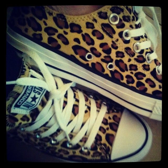 Part two of my surprise from my love! #leopardprint #obsession #converse