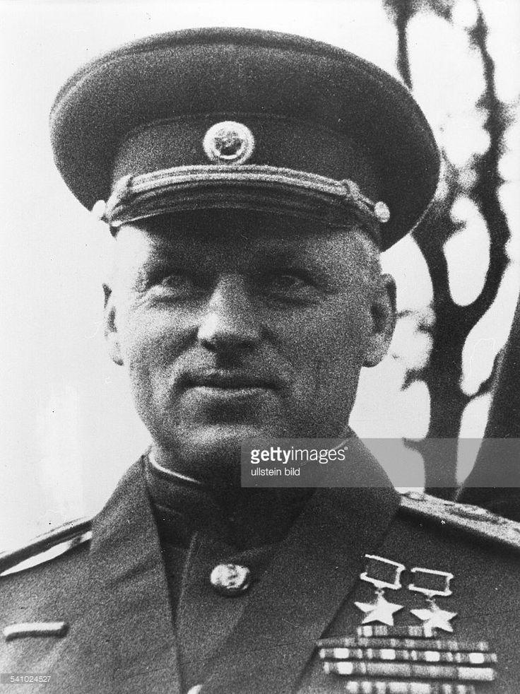 """Marshal Konstantin Rokossovsky """"Il martello degli unni"""" Uno dei più brillanti generali.Si distesa Stalingrad"""