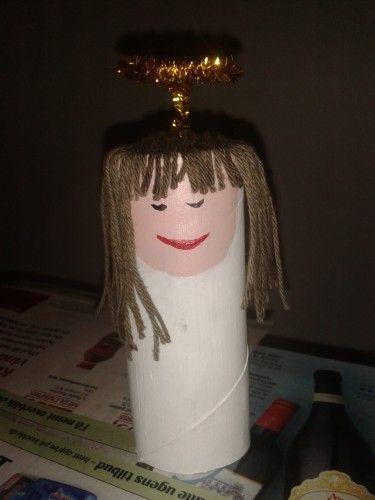 Engel lavet af toiletrulle.