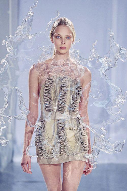 Tanya Dziahileva, Iris Van Herpen Couture Fall 2011