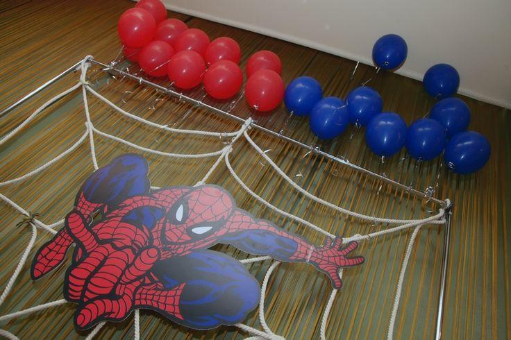 Декор детского дня рождения в стиле человек-паук (Spider-Man).