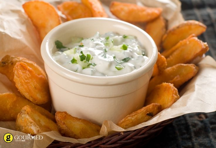 Ντιπ γιαούρτι με μεσογειακά μυρωδικά - gourmed.gr