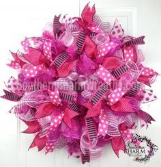 How to add beautiful ribbon streamers to deco mesh wreaths by www.southerncharmwreaths.com