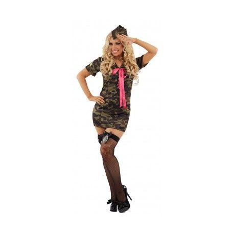 Sexy camouflage jurkje met roze strik. Dit prachtige camouflage jurkje wordt geleverd inclusief het camouflage petje om het plaatje compleet te maken. Het camouflage jurkje is beschikbaar in diverse maten. In deze sexy leger outfit zal je de mannelijke militairen het hoofd op hol brengen. Dit sexy camouflage jurkje is een must have voor elke vrouw, en mag dan ook in geen enkele kledingkast ontbreken.