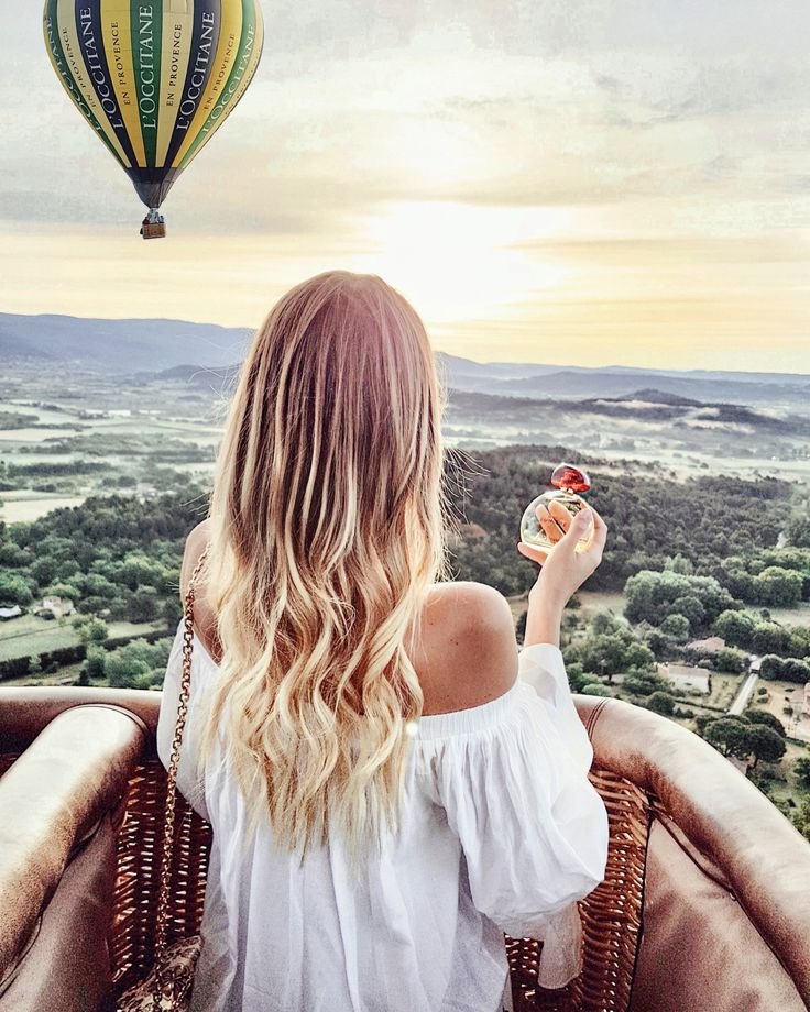 Sunrise from the hot air balloon | Provence, France http://www.ohhcouture.com/2017/05/terredelumiere-provence/ #ohhcouture #leoniehanne