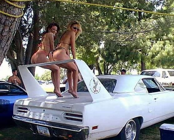 .Hot Tail-Fin Spoiler on that Mopar. Never thought it would be used for Tail-Gating.