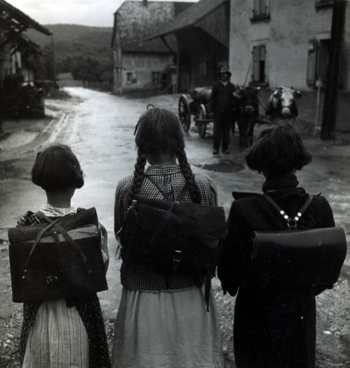Robert Doisneau  Les Écolières, Alsace, 1945 | Black and White  #people #photography #vintage, faciepopuli.com