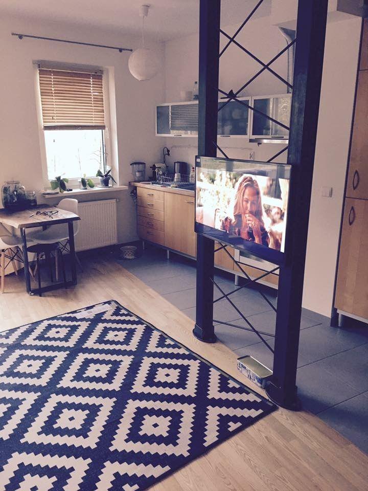 TV hanger