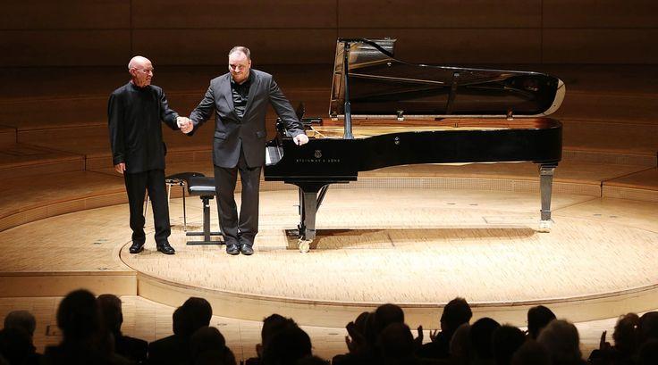 Dal podio del Teatro alla Scala di Milano il noto Baritono MATTHIAS GOERNE accompagnato al pianoforte dal grande direttore Christoph Eschenbach eseguirà Musiche di Robert Schumann.  QUANDO: Lunedì 28 Novembre 2016, ore 20.00  QUALCHE INFORMAZIONE SUI BIGLIETTI: - PLATEA al costo di 42,00 € - PALCHI al costo di 42,00 € - PALCHI al costo di 30,00 € - PRIMA GALLERIA al costo di 22,80 € - SECONDA GALLERIA al costo di 22,80 € - PRIMA GALLERIA al costo di 14,40 € - Loggione al costo di 10,80 €