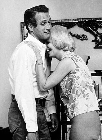 Paul Newman & Joanne Woodward. Adorable couple :)