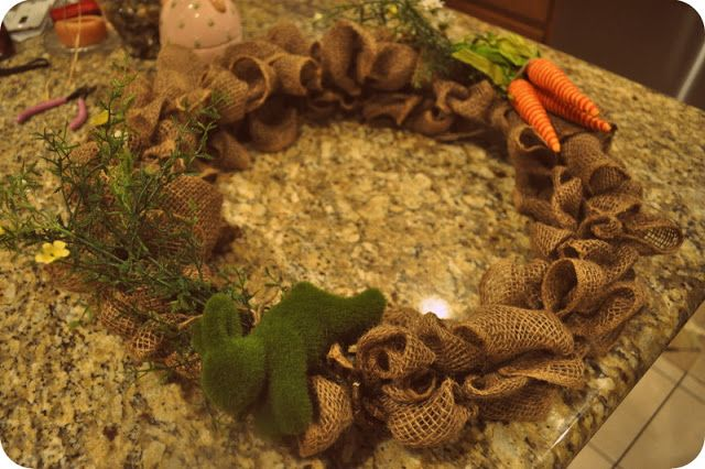 my pb+j: easy spring burlap wreath {diy tutorial}