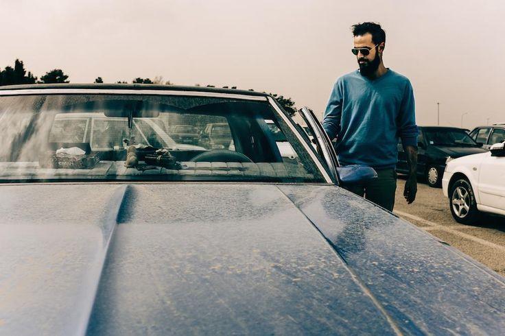Pouryia am Parkplatz von Persepolis, der früheren Hauptstadt des persischen Reichs, mit seinem '79 Cevrolet Caprice—noch mit original New York State Kennzeichen.