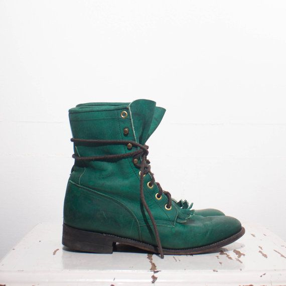 The unique green Justin roper boots come in and Emerald leather upper with leather soles. marked size 6 1/2 B Women   Justin ropers tend to run 1/2 size