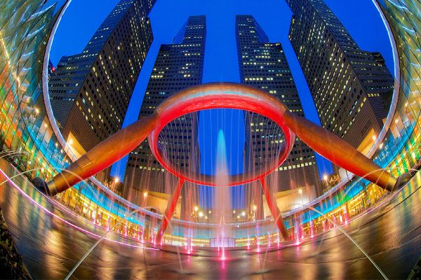 Strane e affascinanti fontane di tutto il mondo