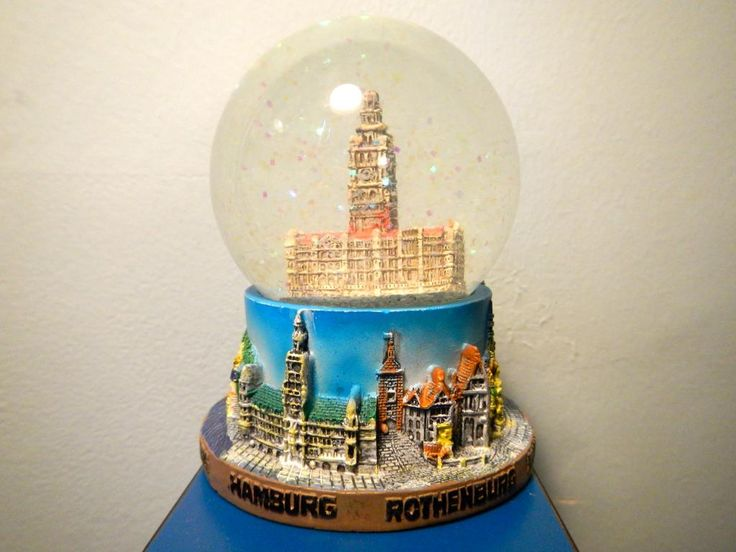 8 Snow Globes Images Pinterest World Hamburg Globesthe Worldhamburg Melbourne