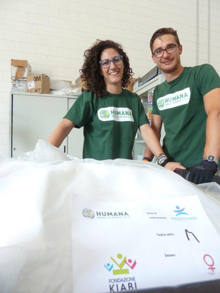 Grazie al contributo dei dipendenti volontari di KIABI, che ci hanno aiutato a smistare oltre 16,5 tonnellate di abiti!