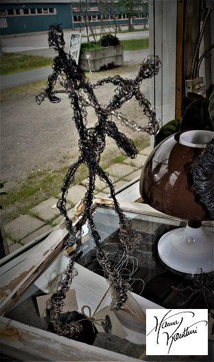 Hanna Kontturi sculptures