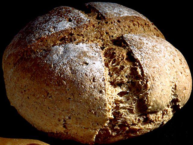 Fullkornsbröd på surdeg (kock recept.nu)