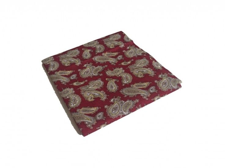 Носовой платок в подарочной упаковке по супер выгодной цене 150 руб руб, с бесплатной доставкой по Москве и России без предоплаты. В наличие размеры , приезжайте к нам в магазин!