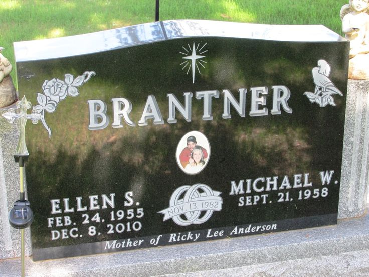 Ellen Sue Brantner, 55, of Nelson died Wednesday, Dec. 8, 2010, at St. Elizabeth's Medical Center in Wabasha. She was born Feb. 24, 1955, in Durand, Wis.; daughter of Elwyn and Lorraine Swanson Smith. She attended Durand schools. Following school she worked at several cafes in the area. In 1972 she married Bob...