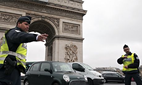 Paris car ban stopped after one day -- French ministers claim traffic experiment is a success after just 24 hours, saying pollution levels are within safe limit again