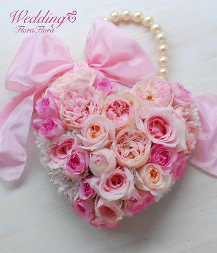 花時間ウェディングVol.2 掲載ブーケ 素敵な名前のバラたちで*ハートのバッグブーケ*東京*FlowerStudioFLORAFLORA*tokyo*ウェディングブーケ装花&フラワースクール
