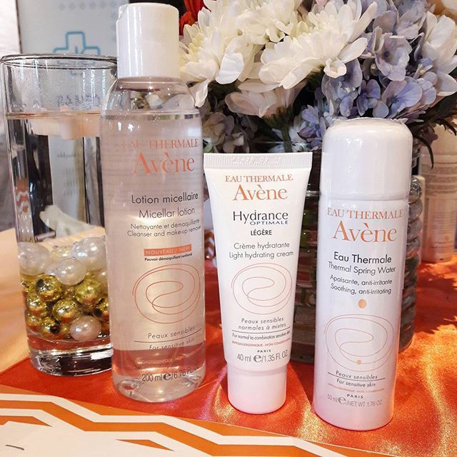 Tiga langkah dengan produk terbaru @eauthermaleaveneindonesia untuk kulit yang terhidrasi sempurna! Favorit Grazia adalah pelembap Avene Hydrance Optimale Light yang teksturnya sangat ringan sehingga cocok untuk semua jenis kulit. #avène #aveneindonesia #GraziaIndonesia #GraziaBeauty  via GRAZIA INDONESIA MAGAZINE OFFICIAL INSTAGRAM - Fashion Campaigns  Haute Couture  Advertising  Editorial Photography  Magazine Cover Designs  Supermodels  Runway Models