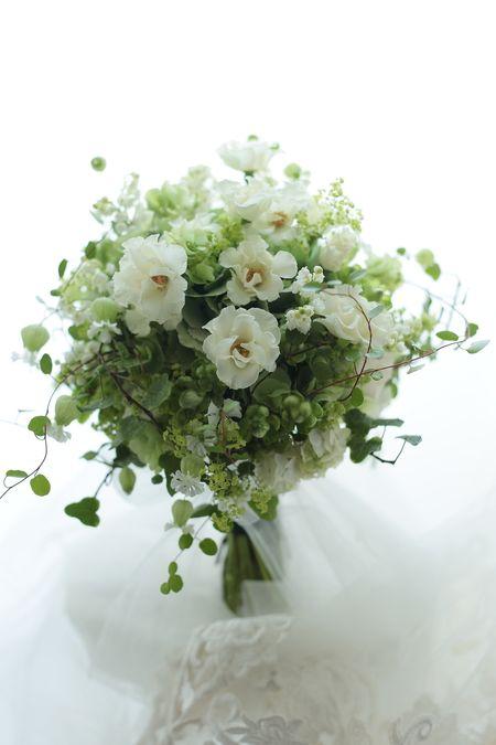 初夏のブーケ 一重のバラで オードリー一会風 松濤レストラン様へ 秋の婚礼について : 一会 ウエディングの花