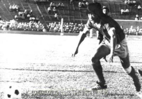 Проявил себя как отличный диспетчер, с прекрасным видением поля, точным пасом и сильным ударом. Ана называли одним из наиболее ярких представителей нового поколения узбекского футбола. В его игре отмечали высокую мобильность, хорошее игровое мышление, взаимопонимание с партнерами, сильный и точный удар. Михаил Ан был игроком яркого комбинационного дарования, хорошо видел поле, владел мягким и точным пасом.