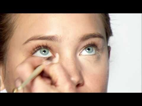 """Bobbi shares her """"Secret of the Universe"""" - Corrector & Concealer - and says goodbye to dark circles!"""