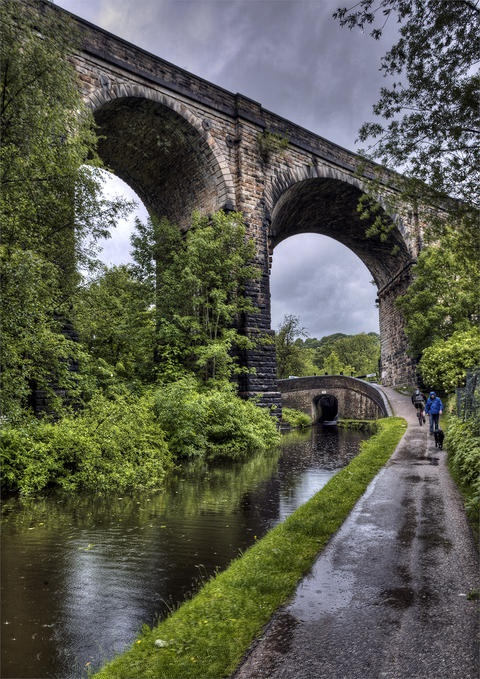 Saddleworth viaduct and Huddersfield narrow canal www.thefrostery.co.uk