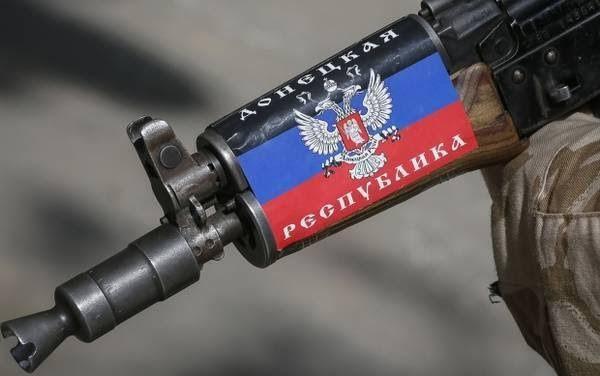 http://lucien-pons.over-blog.com/2016/10/kiev-refuse-la-paix-l-armee-ukrainienne-sabote-encore-le-processus-de-paix.html L'armée ukrainienne, en dépit des volontés marquées de mettre (enfin) en oeuvre le processus de paix, continue de saboter quotidiennement...