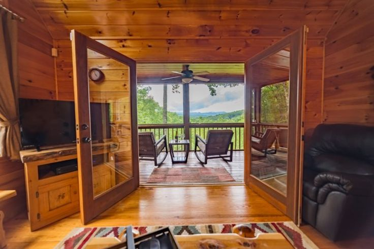SUNSET SERENITY-3 BEDROOM/3 BATHROOM, BREATHTAKING MOUNTAIN VIEW, HOT TUB, WIFI, SCREENED PORCH, GAS FIREPLACE, ROCKING CHAIRS, NO PETS, STARTING AT $160/NIGHT! - Image 1 - Blue Ridge - rentals