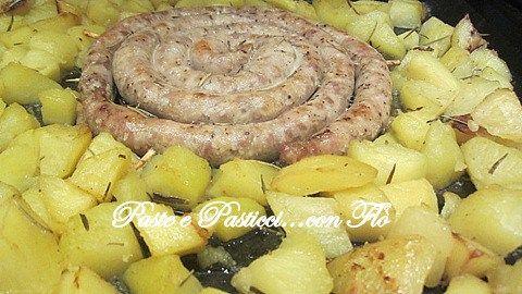 salsiccia la forno con patate al rosmarino2