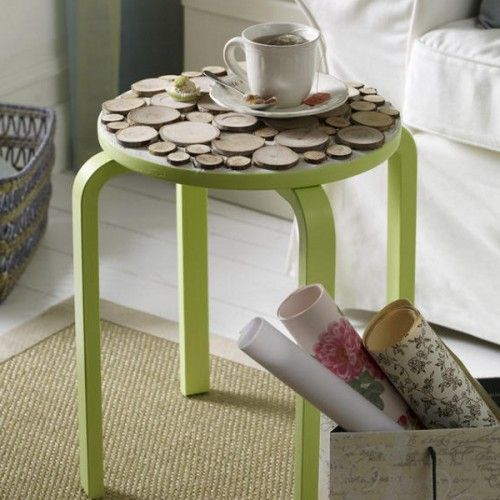 wood slice stool: Wood Trim, Colors Tables, Coffee Tables, Crafts Ideas, Mesas Auxiliar, Una Mesas, Coff Tables, Wood Slices, Bright Colors