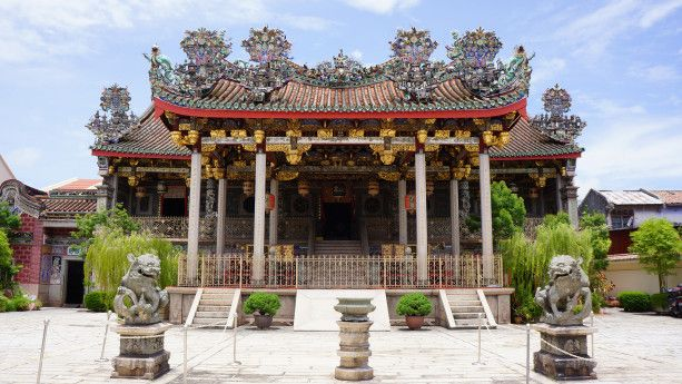 "Khoo Kongsi Temple – a place that touched a deep chord in my heart, a place where some scenes in ""Anna and the King"" were filmed. For all the intricate carvings, with extraordinary details, this Chinese baroque masterpiece should be visited!"