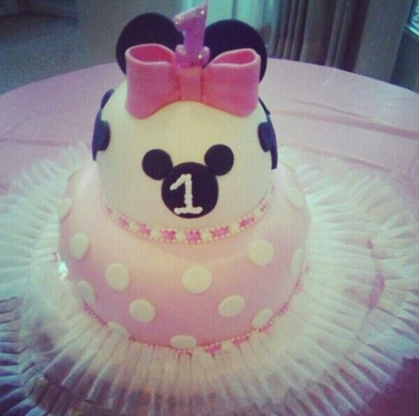 Albertson's cake artist customized this Minnie Mouse cake for my daughter's first birthday