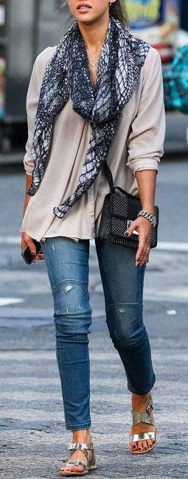 Love this oversized with a skinny look!