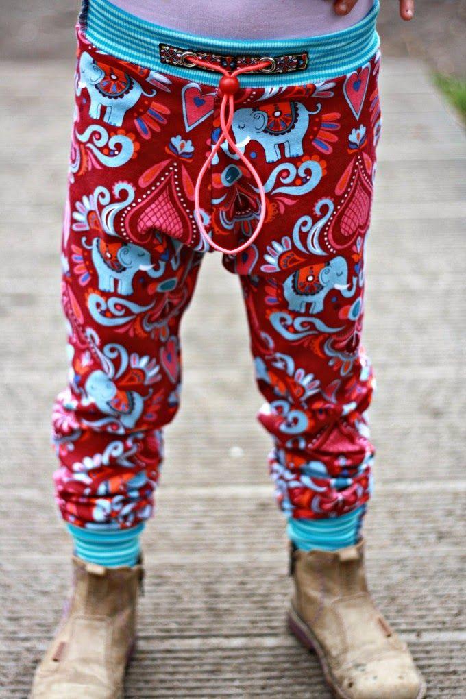 Eine Variante zur Pump-it-up Hose. Alle Infos hier: http://hedinaeht.blogspot.de/2014/03/hamburger-liebe-elephant-love-2014.html  Stoff: Elephant Love von HHL