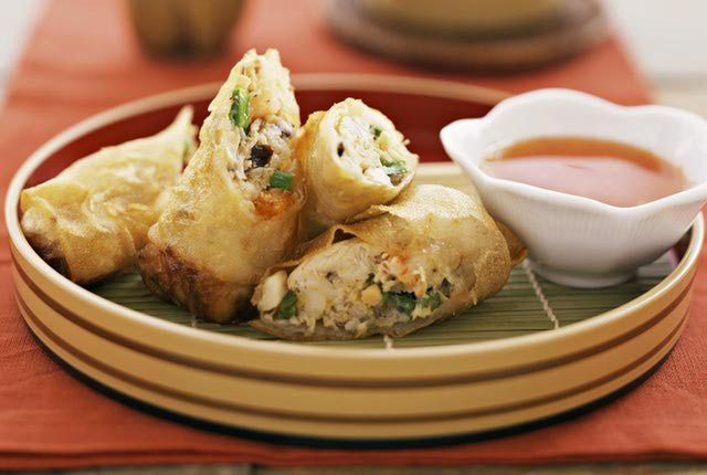 5 of the Best Spring Roll Recipes: Classic Spring Rolls (Vegetarian, or with Shrimp)