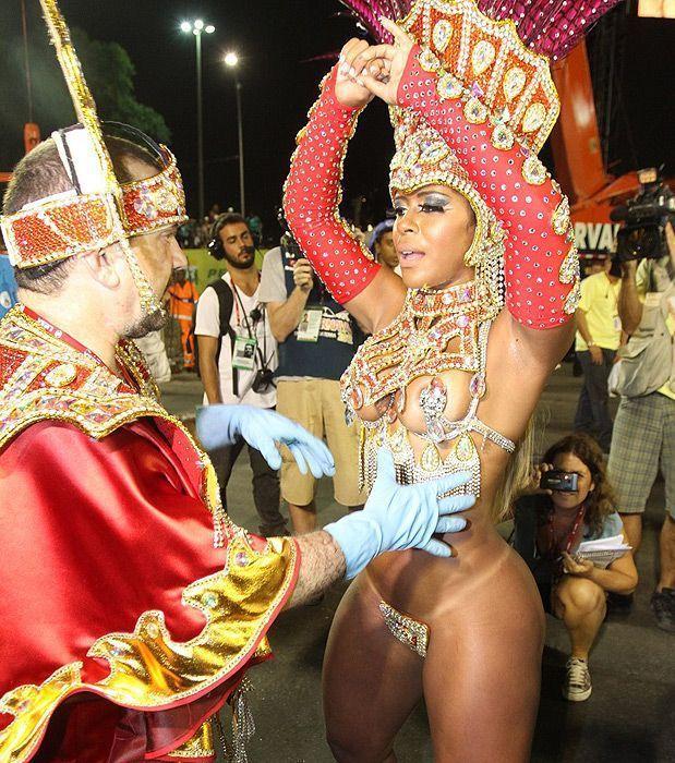 всего бразильские девушки без нижнего белья последние