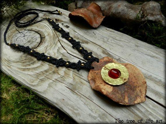 Jacaranda macrame brass necklace with red Jade stone&brass metal beads/Pod jewelry/Earthy necklace/Festival jewelry/Elven necklace/Wood pod